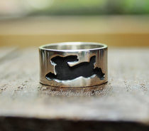 Black hare silver ring