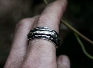 triple moon hare silver ring
