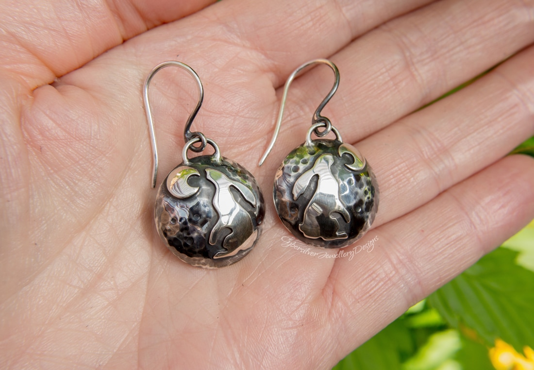 Moon gazing hare earrings