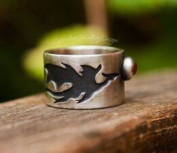 Dragon silver ring with sunstone